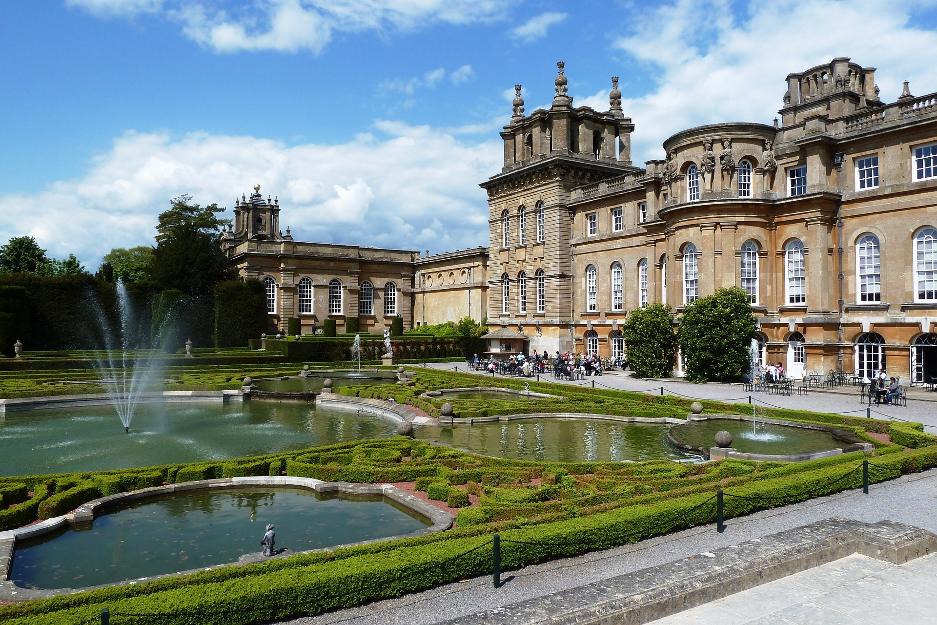 Blenheim Palace.jpg