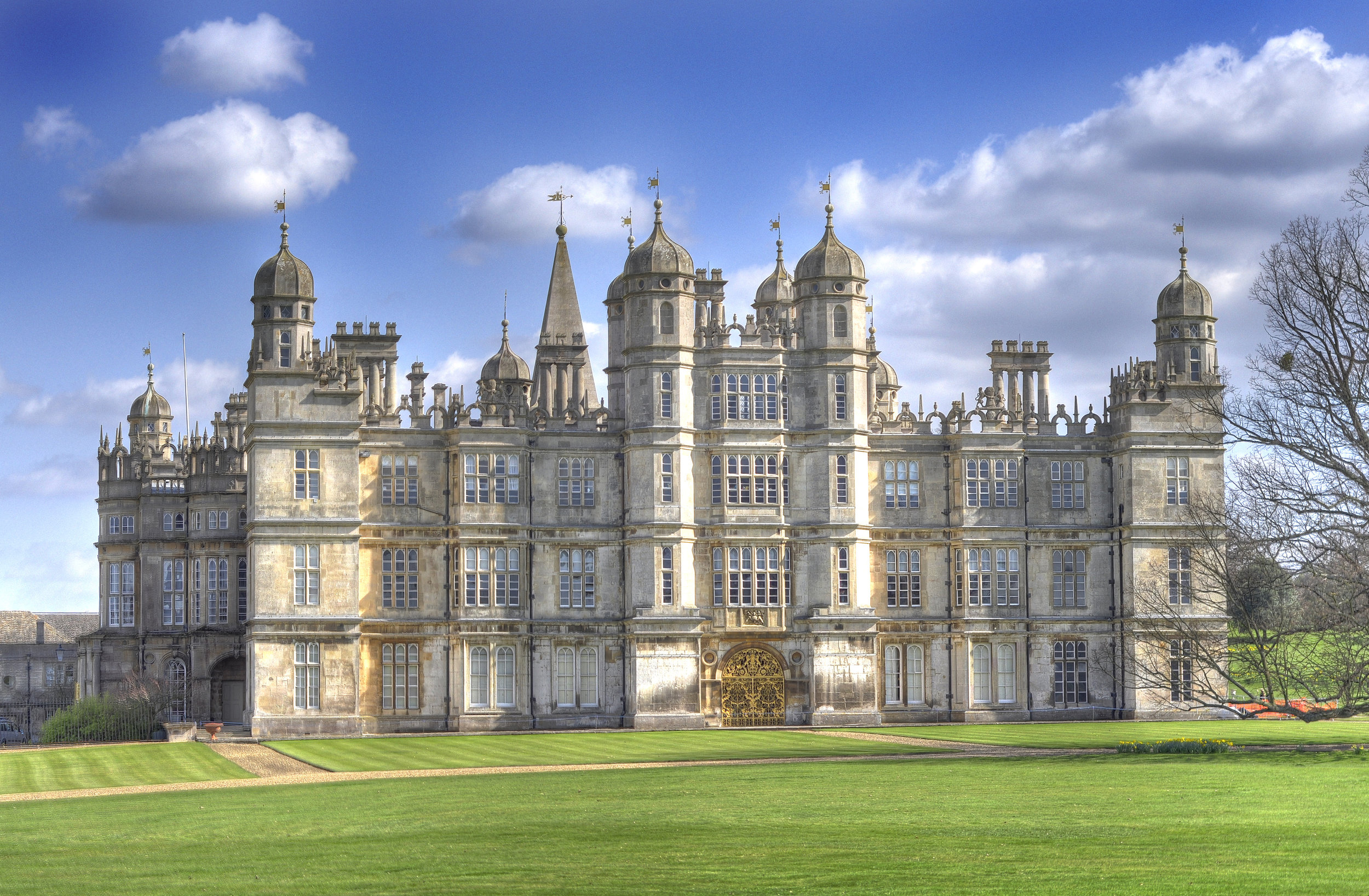 Burghley House By Anthony Masi licensed for reuse under CC BY-SA 2.0