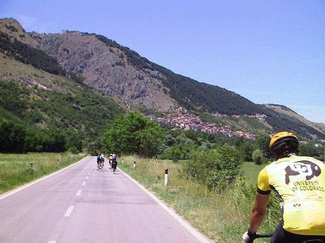 Abruzzo Natural Parks - Fossa Way.jpg