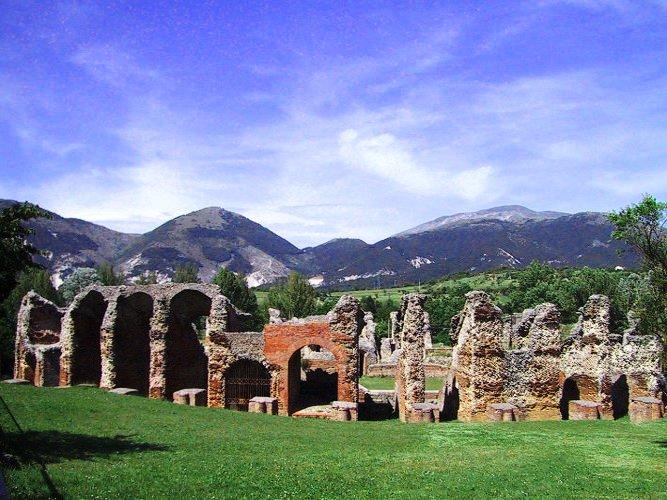 The Apennine Way - Roman Ruins.jpg