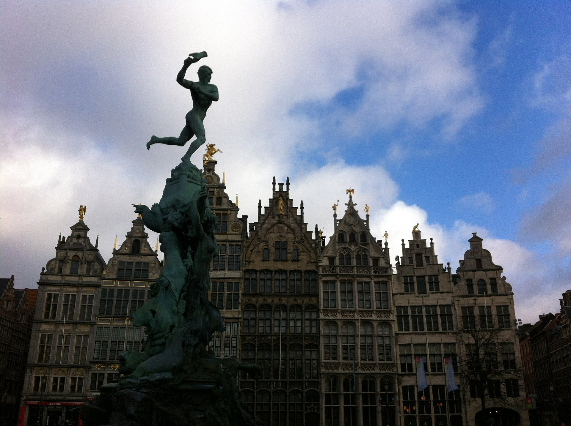 Antwerp Silhouette pixabay.jpg