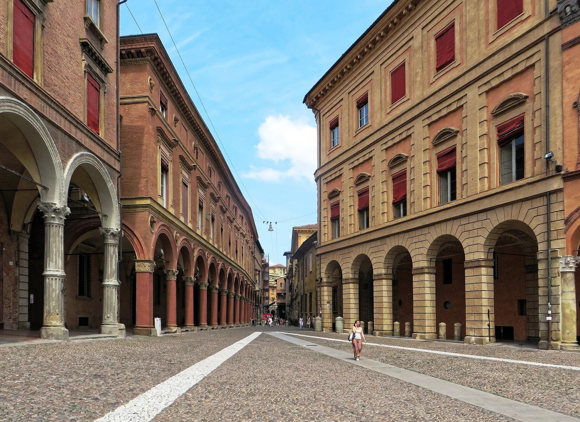 Bologna portici pixabay.jpg