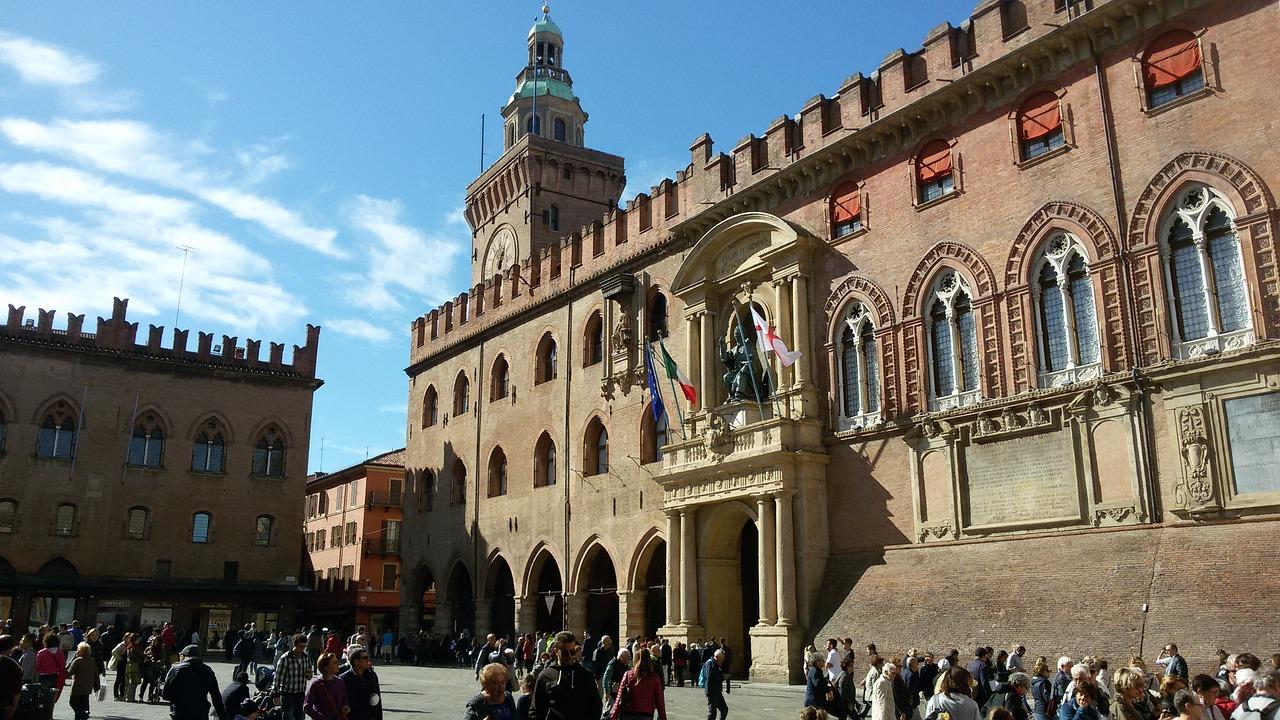 bologna town hall pixabay.jpg