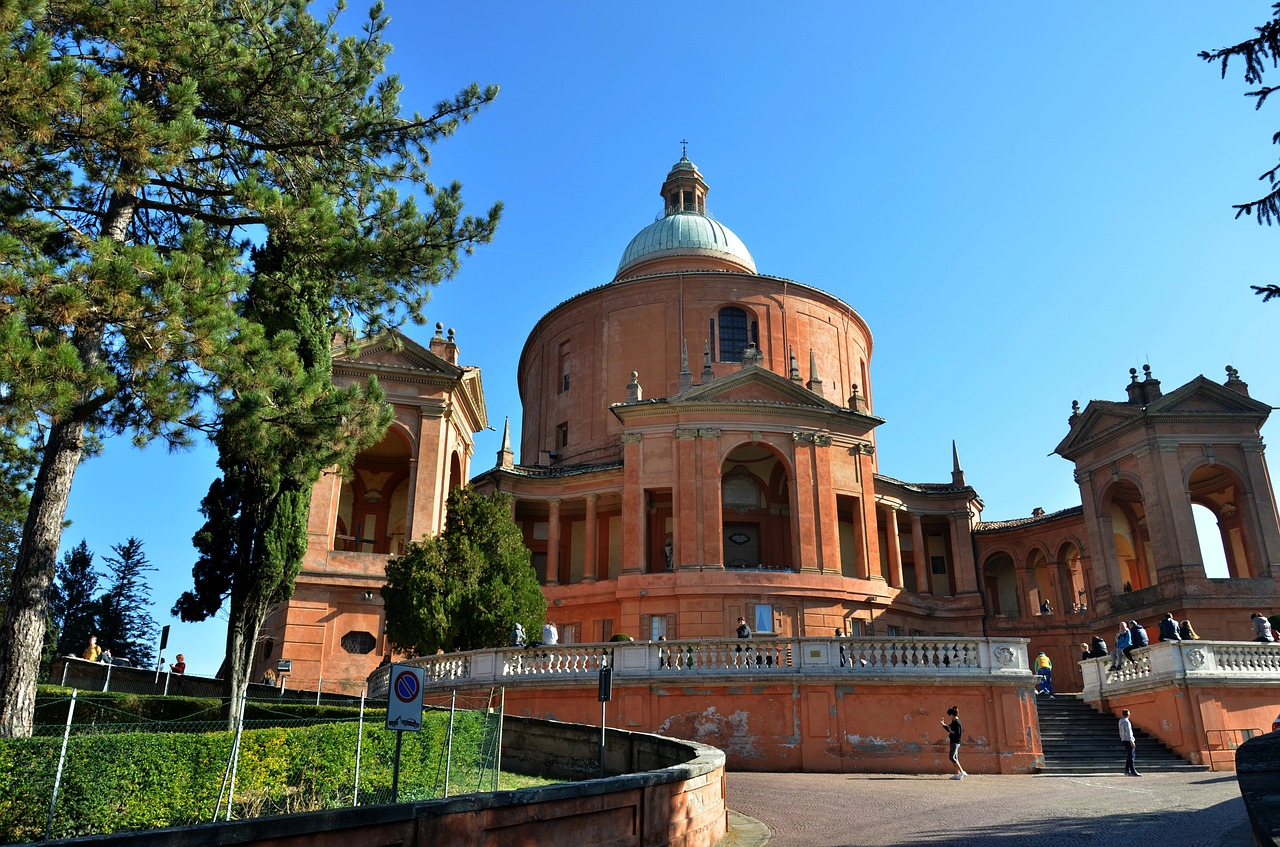 Bologna, chiesa san luca pixabay.jpg