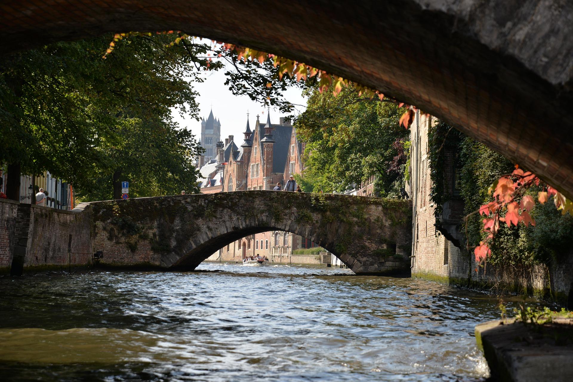 Bruges bridges.jpg
