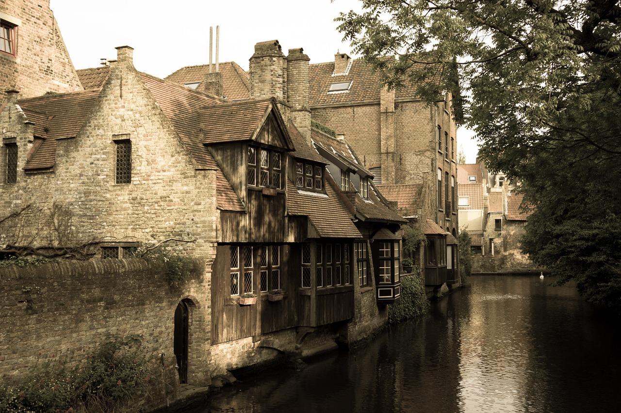Canal brugge pixabay.jpg
