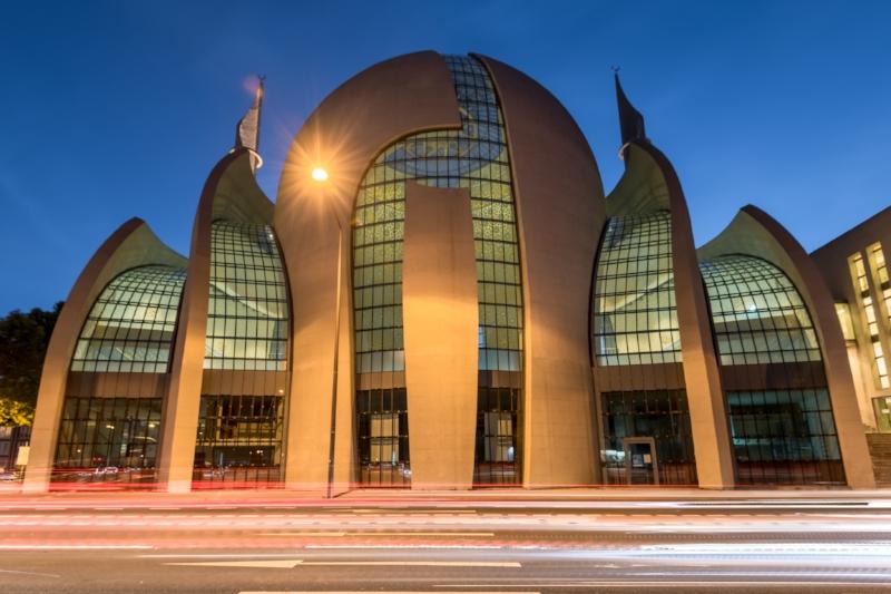 Moschee Ehrenfeld bei Sonnenuntergang