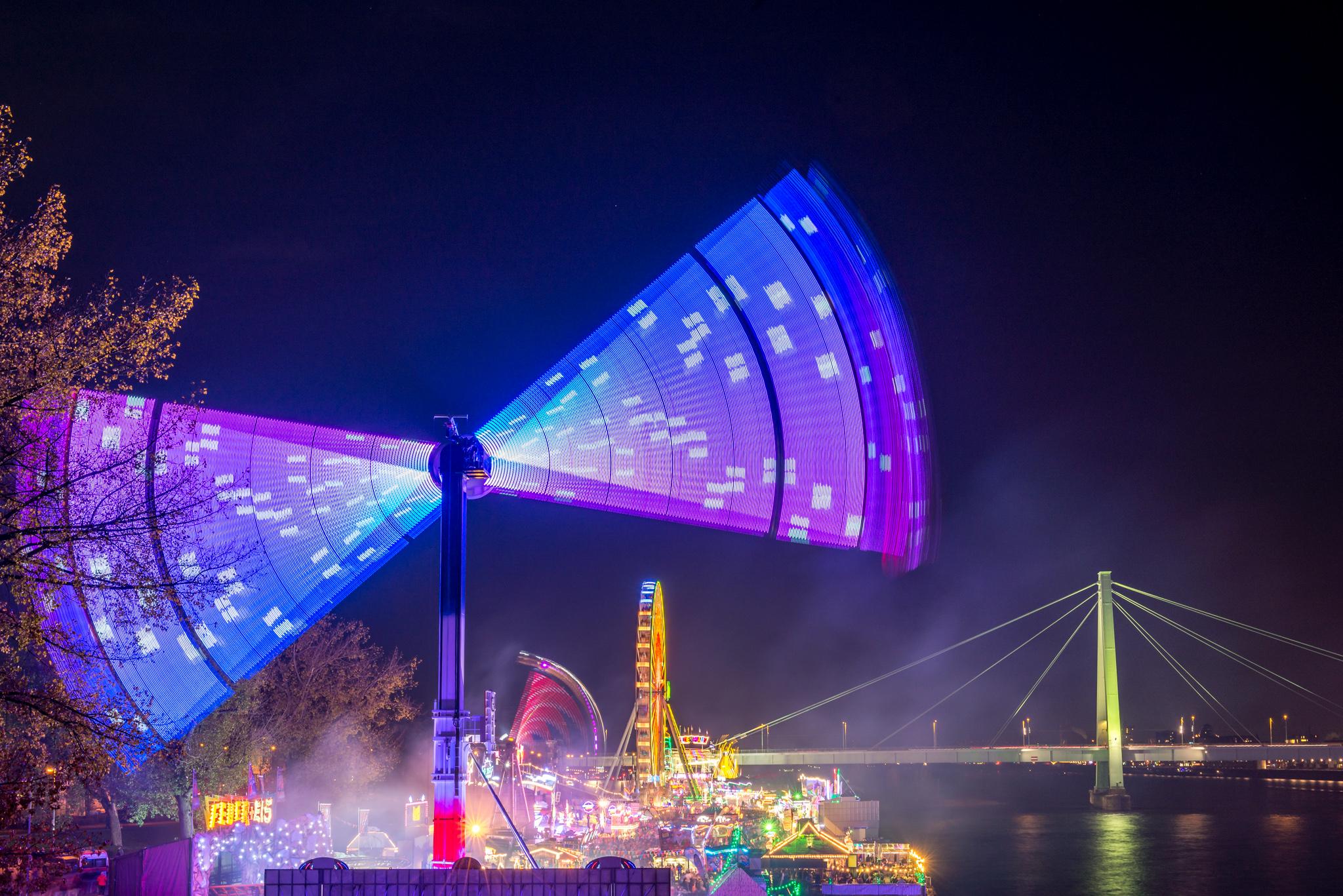 Köln Deutz Kirmes Kranhäuser Deutzer Werft Nachtfotografie