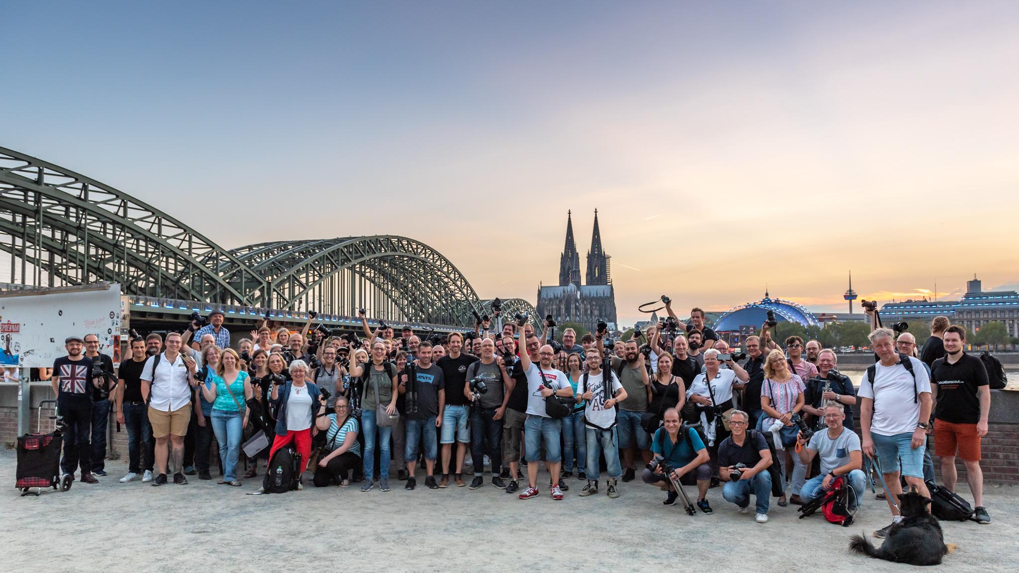18 Photowalk gamescom light it up Gruppenbild