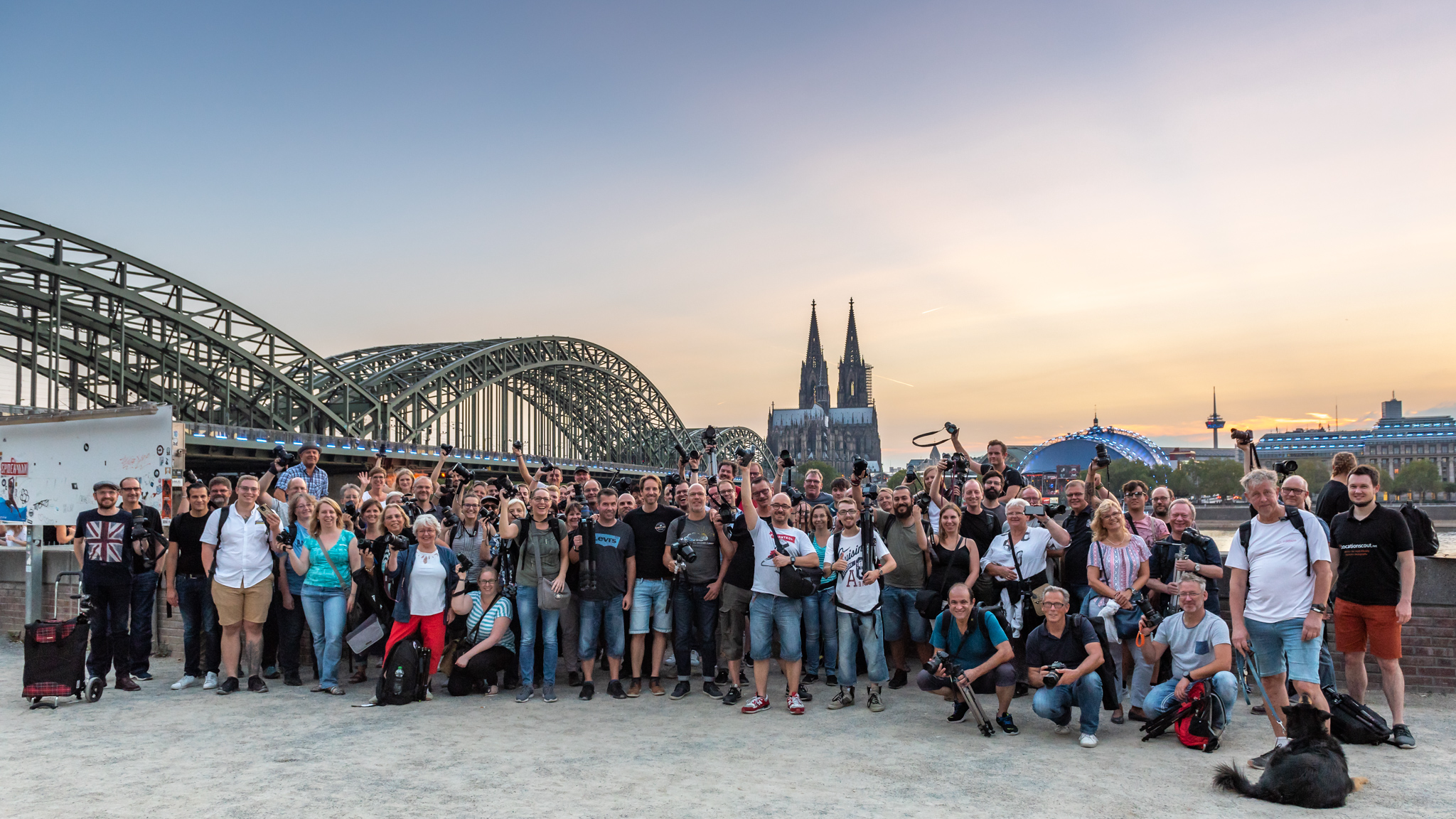 18 Photowalk gamescom light it up Gruppenbild