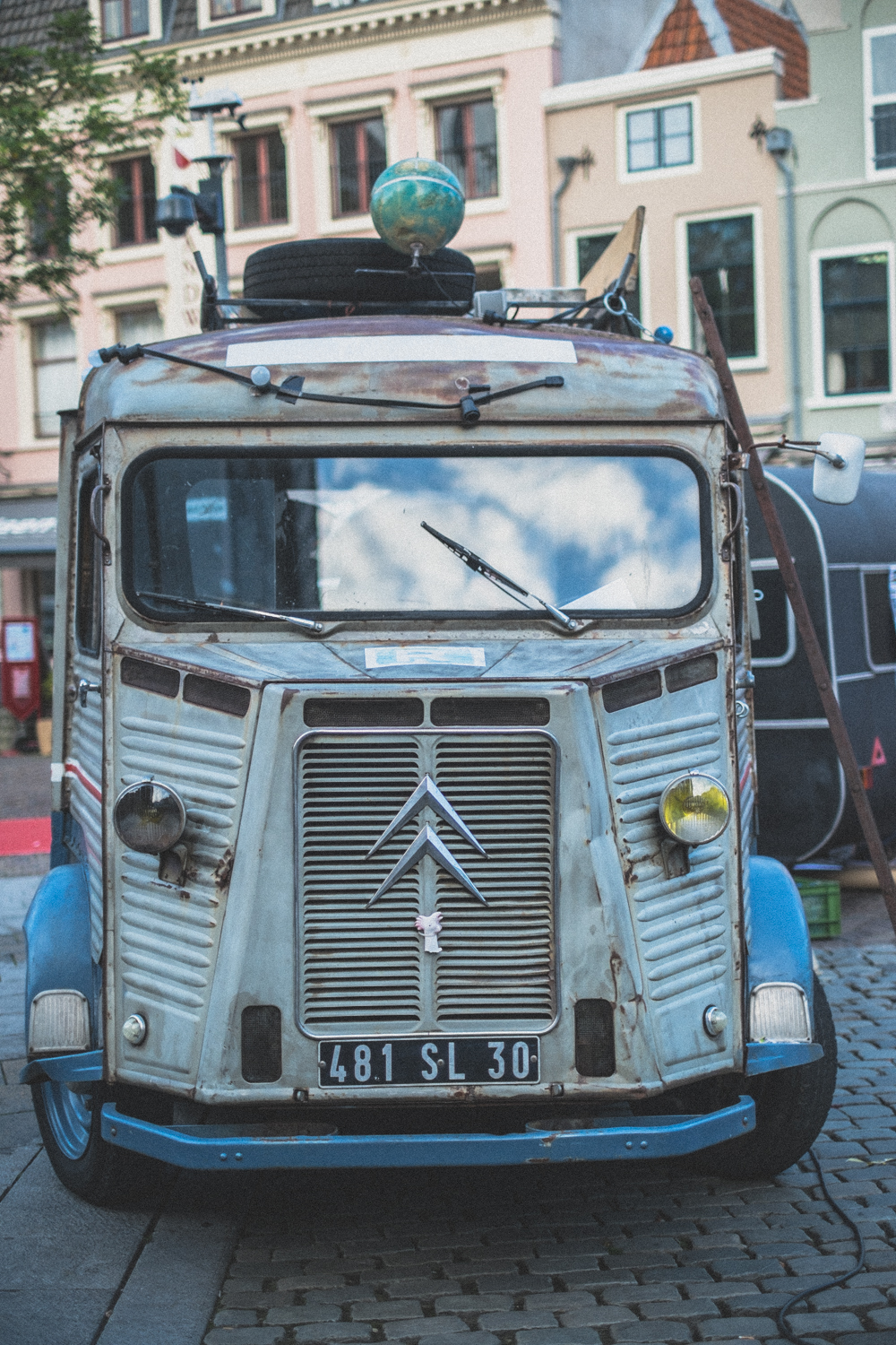 Citroen H Van in downtown plaza
