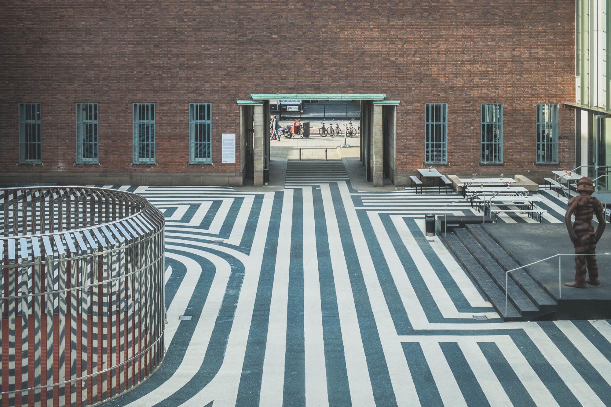 Entrance courtyard with the noticeable pavement pattern.