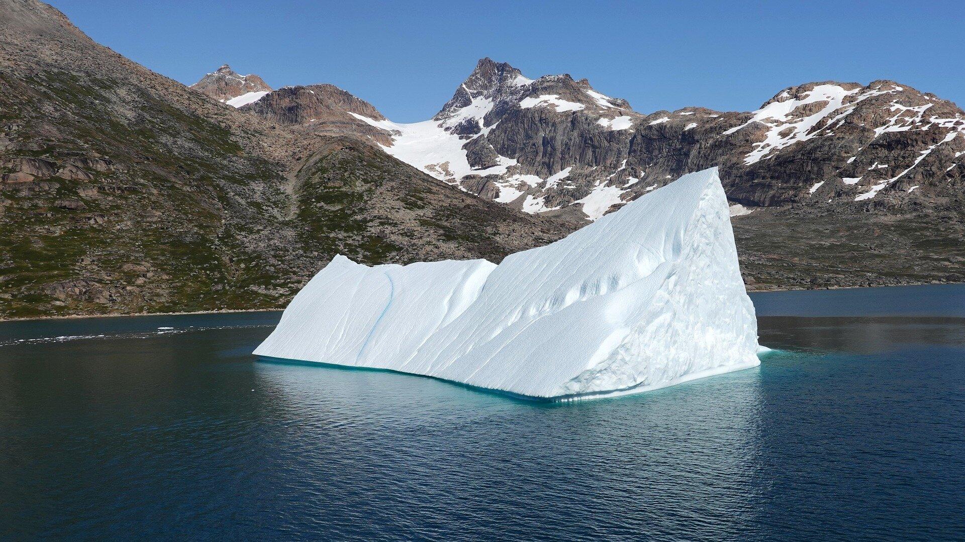 iceberg-4486589_1920.jpg