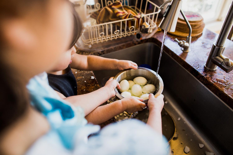 Rinsing the eggs