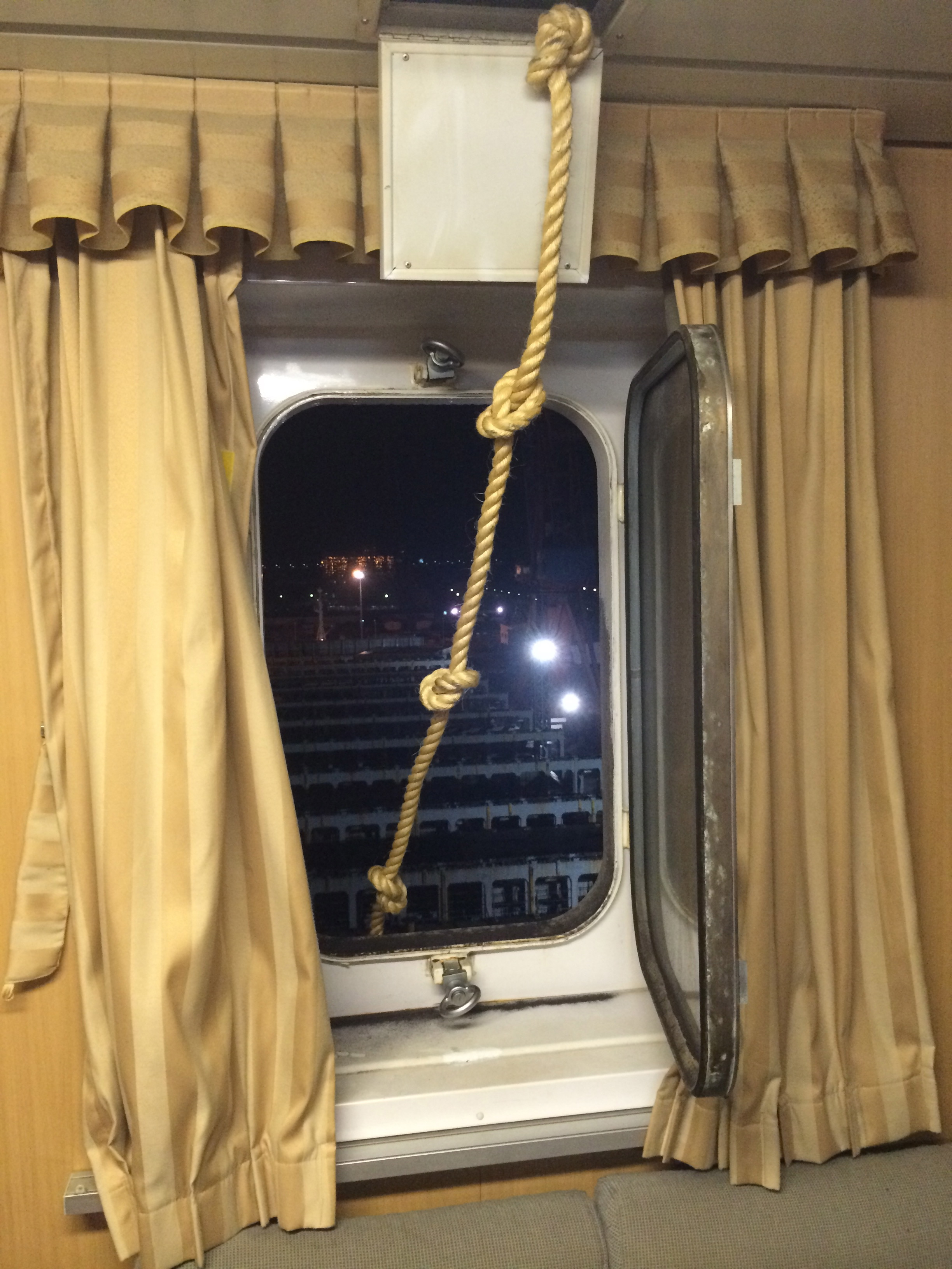 escape rope from cabin.jpg