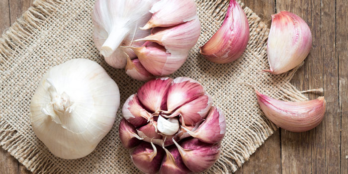 health-benefits-of-garlic-main-image-700-350.jpg