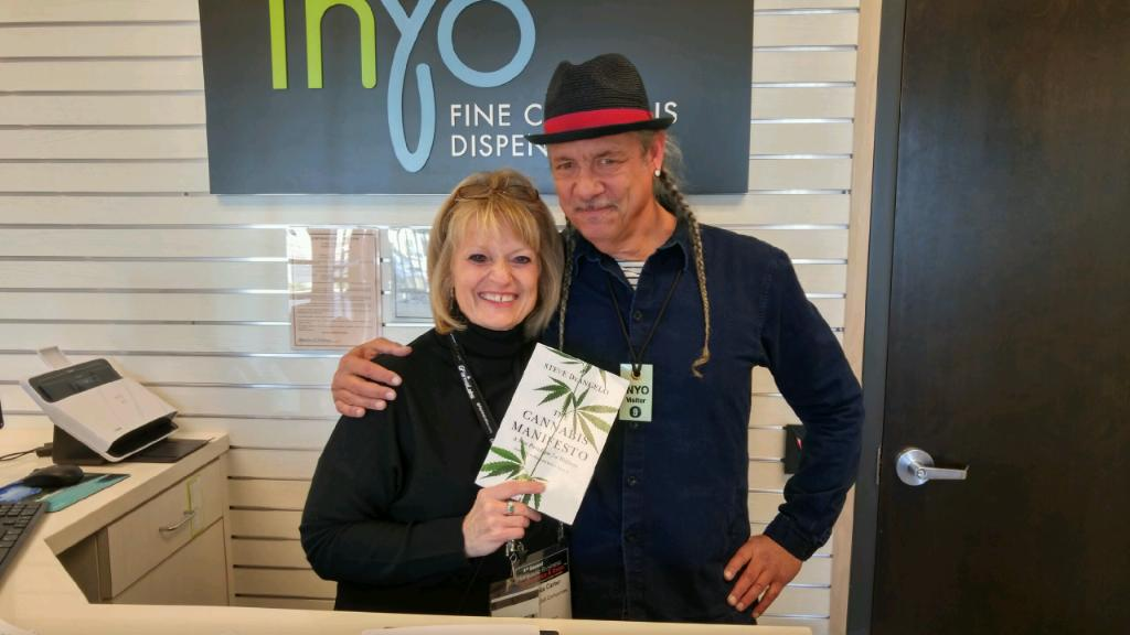 Steve DeAngelo visiting Inyo Fine Cannabis Dispensary