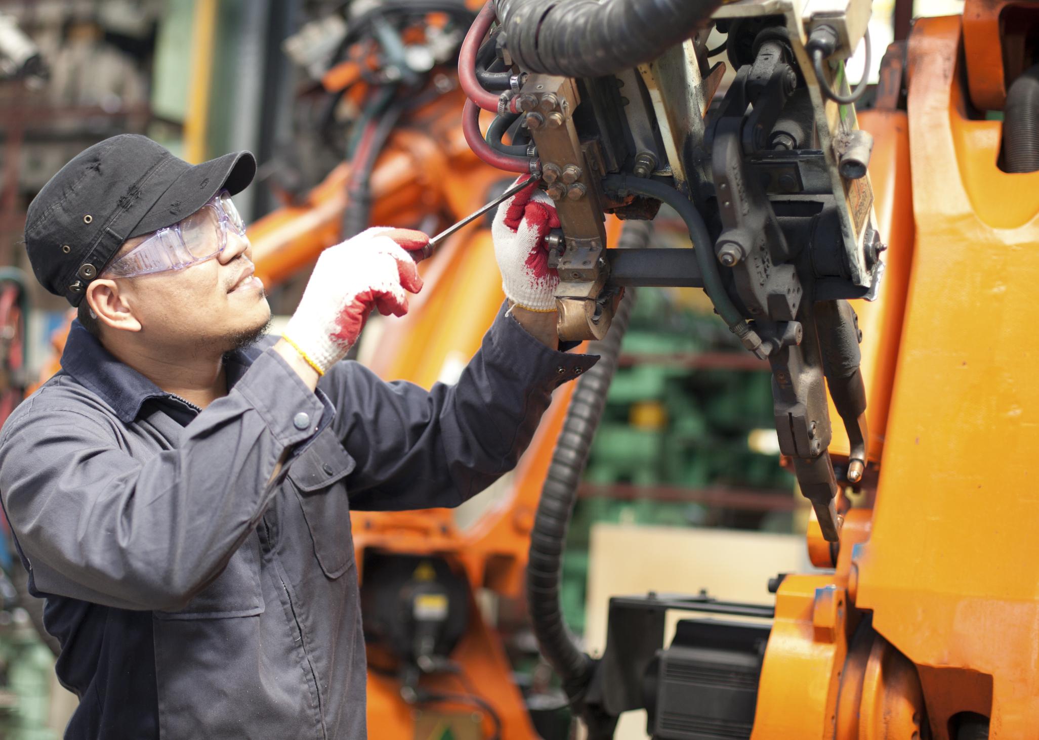1,4 million d'emplois sont àpourvoir d'ici 2021 dont une grande partie nécessite un savoir-faire technique  Le taux de diplomation de la formation professionnelle est de seulement 14% au Québec !(contre94% en Finlande, 85%aux Pays-Bas et 76%en Autriche)