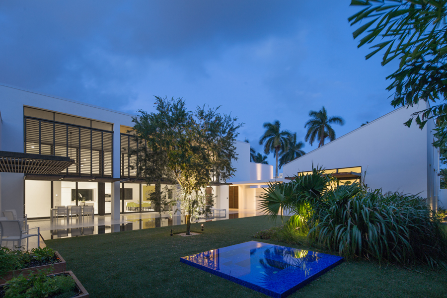 110 Seabreeze by SILBERSTEIN ARCHITECTS Photo by Robin Hill (c) LO RES (46).jpg