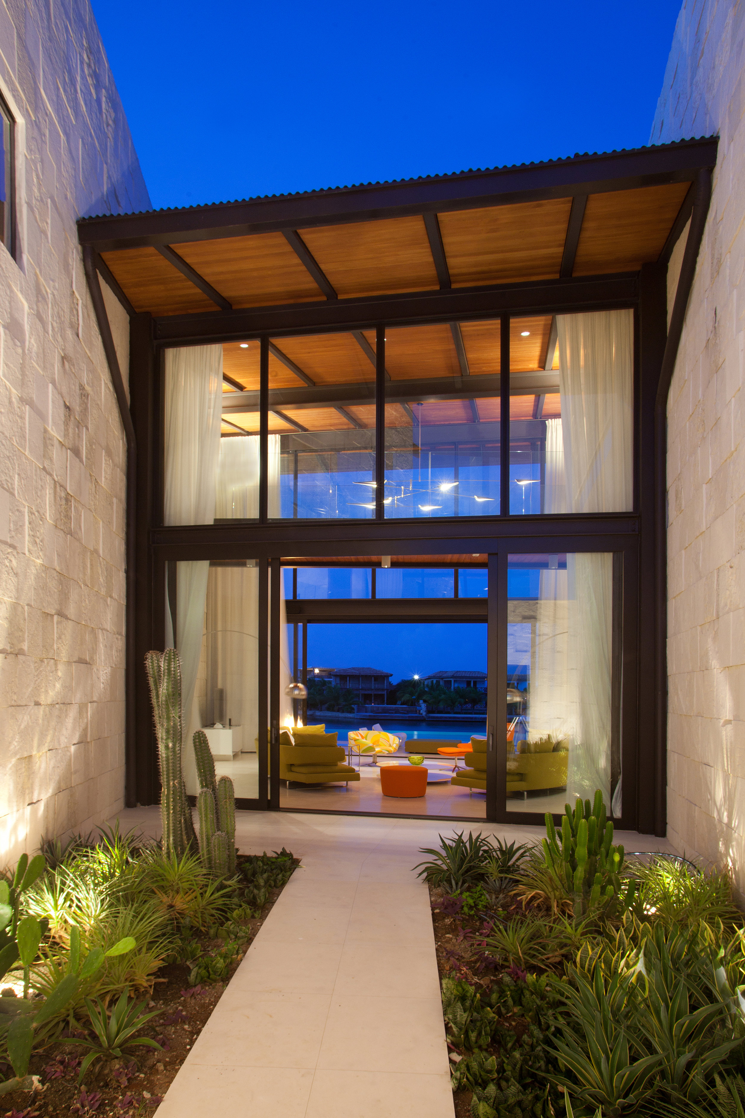 Bonaire Residence by Silberstein Architects Photo by Robin Hill (c) HI RES (20).jpg