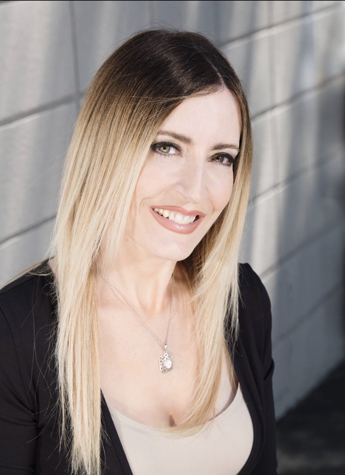 Maria Entrigues-Abramson - SENS, Global Outreach Coordinator.Longevity Bridge.