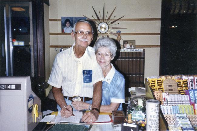 Mr. & Mrs. Skeeter (image courtesy of  Jackson Sun  archives).