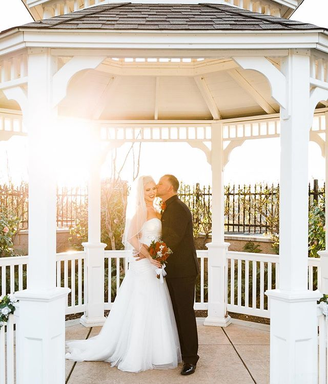 Congratulations to Monica and Ryan!! ✨ I love a sunset and especially at a wedding! We didn't have to ask these two twice to cuddle up and share a moment in this beautiful gazebo. ✨ . . . . . . . . . . #charissaannephotography #sacramentoweddingphotographer #granitebaywedding #granitebayphotographer #rocklinweddingphotographer