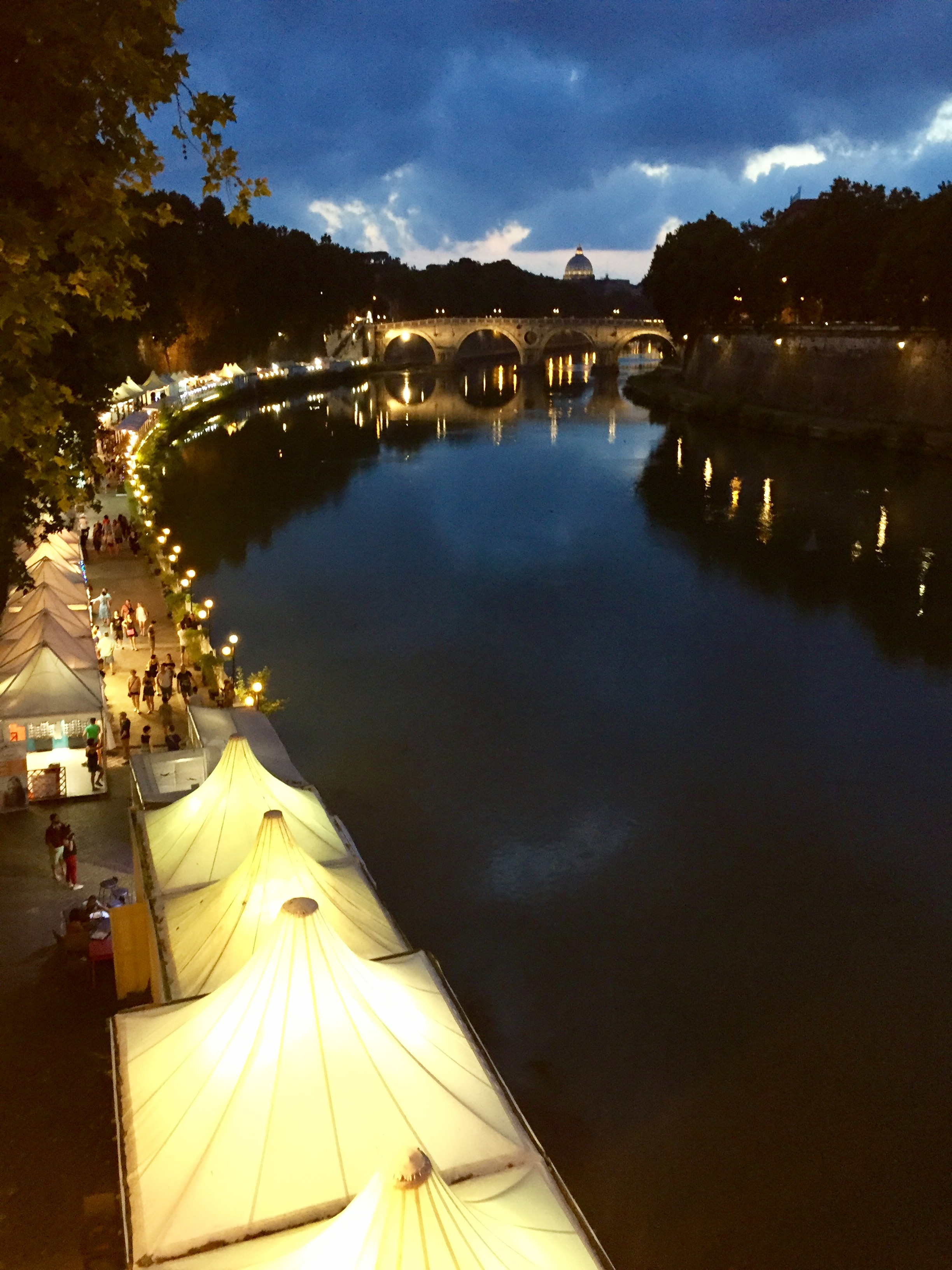 Eating Italy Food Tour Rome: The City Glows