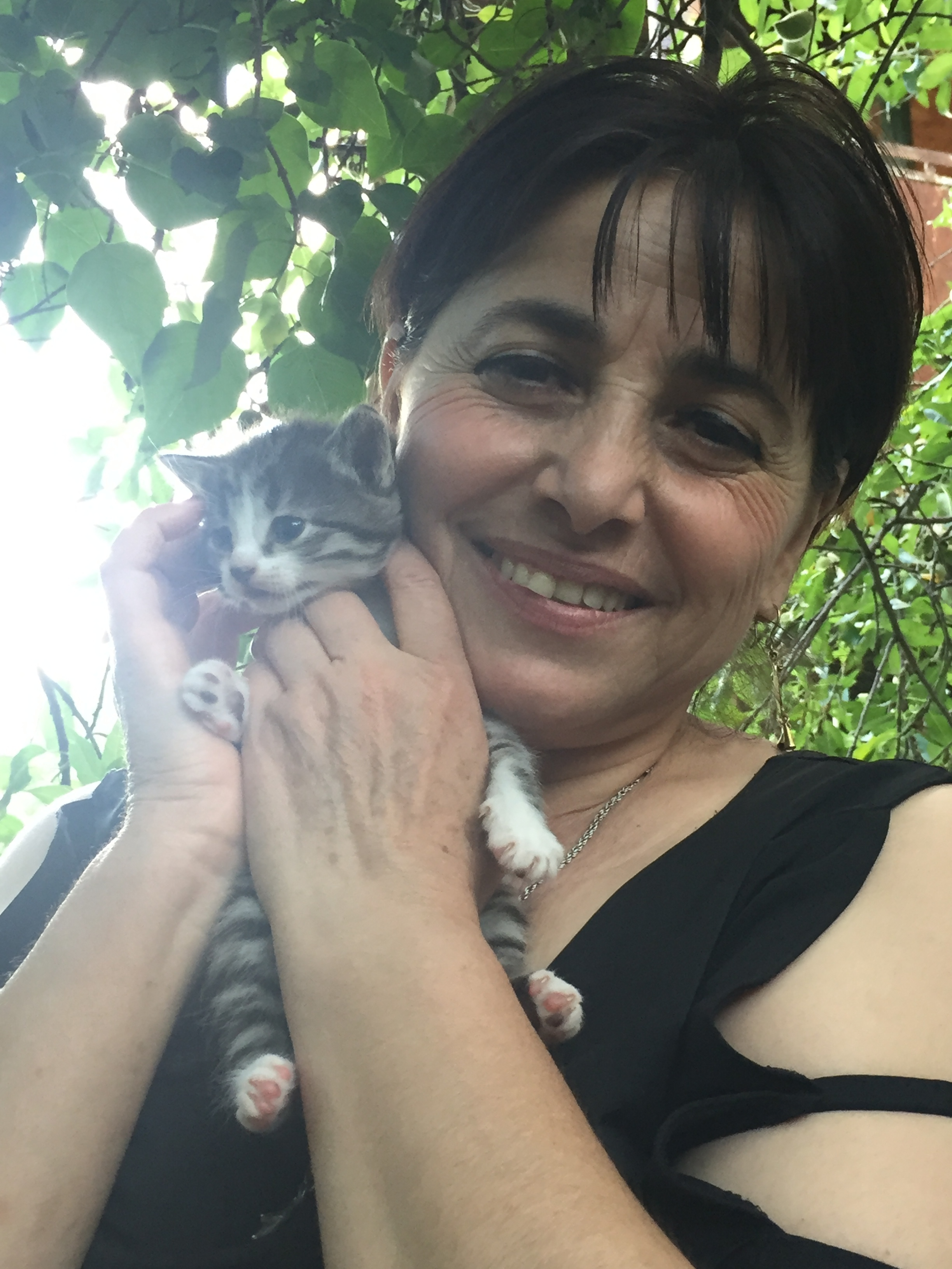 Lamara with one of the kitties!