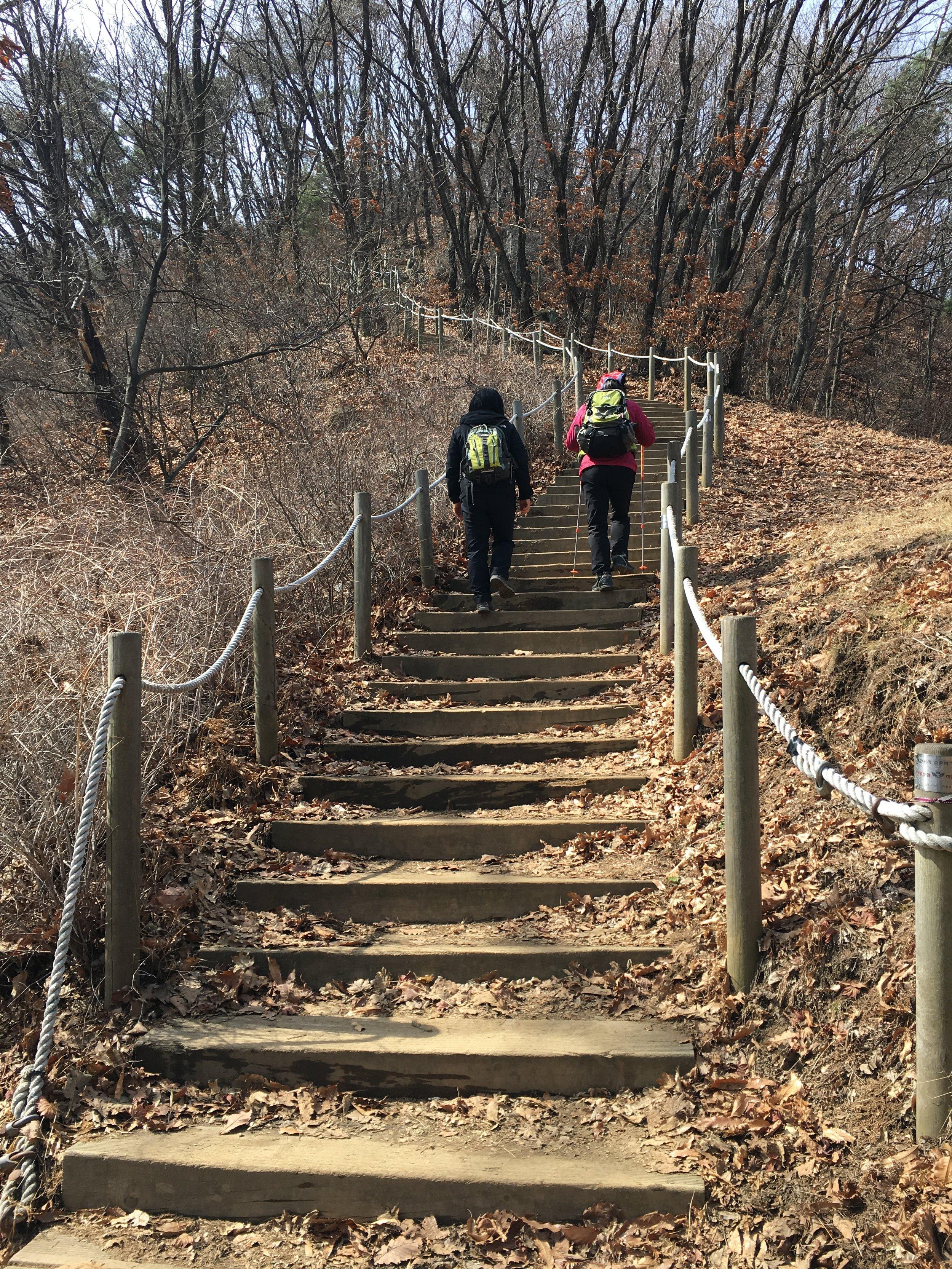 How to Hike Like a Korean