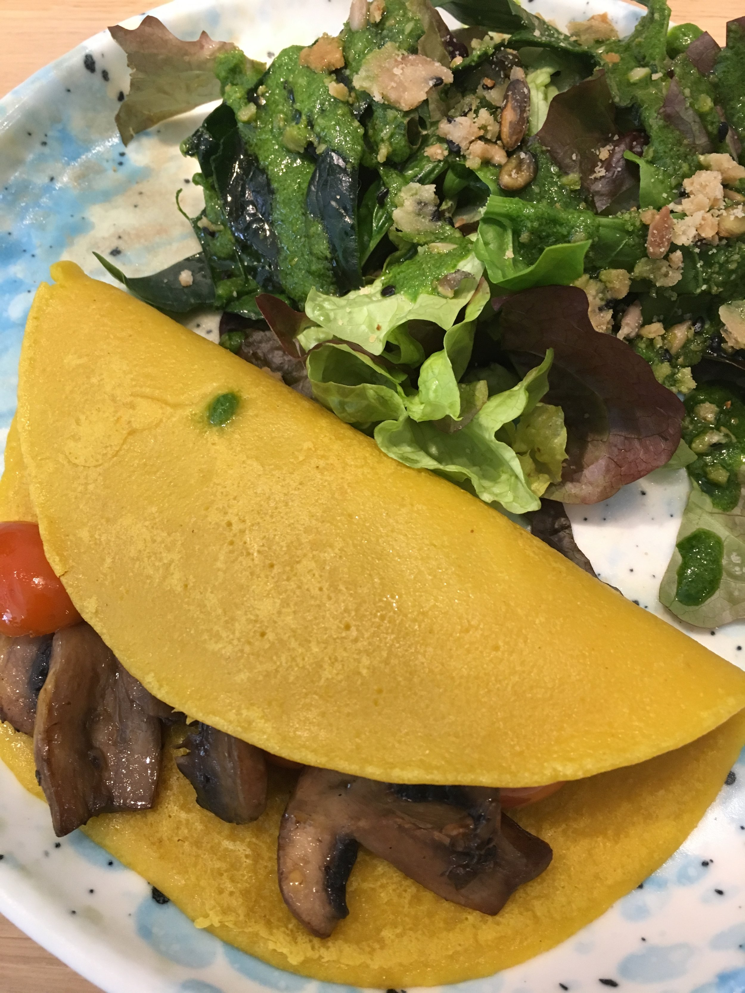 Ohmlette with greens