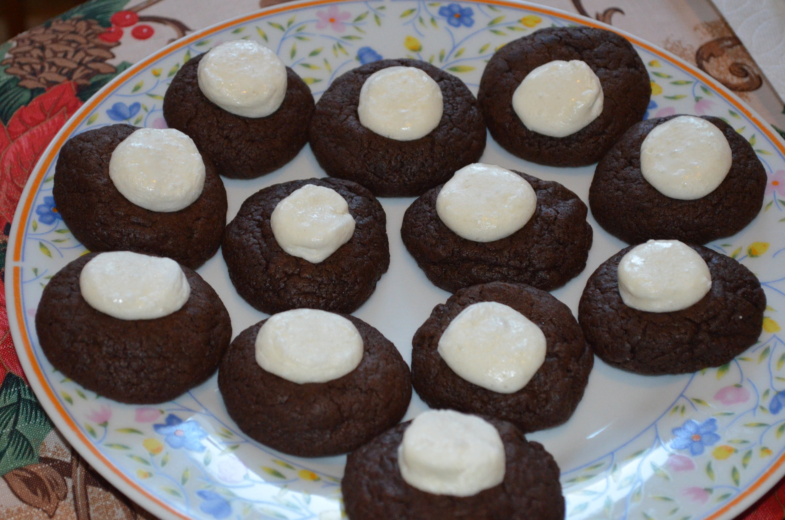 And there you have it, hot cocoa cookies! Yum!