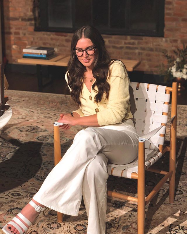 Jan Brady, but grown up(ish) and post dye job 👩🏻‍🏫🌼 Huuuuuge thank you to @imageopticalnashville for throwing a party and letting us come celebrate! Us four-eyed folk depend on great stores like IO to keep our frames fresh and fun. Wearing @oliverpeoples in this set! - Also - I'm going back to @clementinenashville to steal these chairs for my apartment 😍✨ #io30 #oliverpeoples