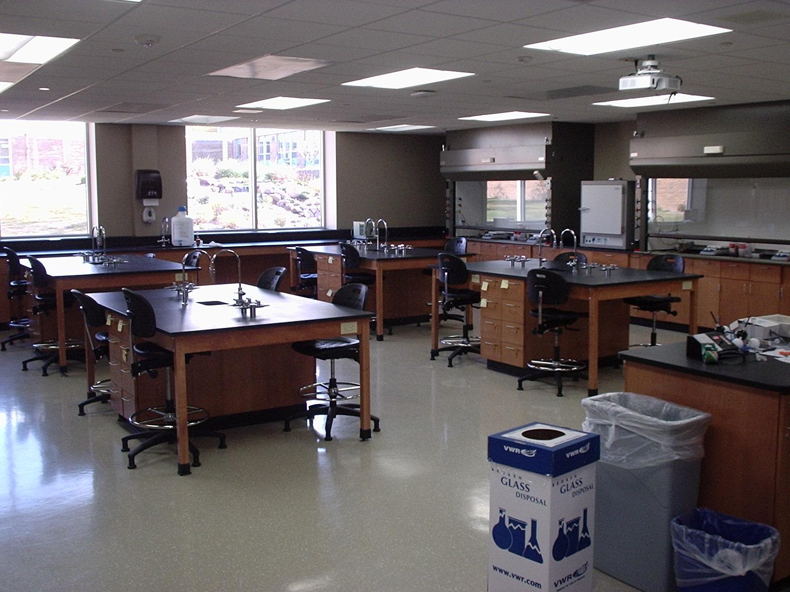 CUW - Science Classrooms (3).JPG