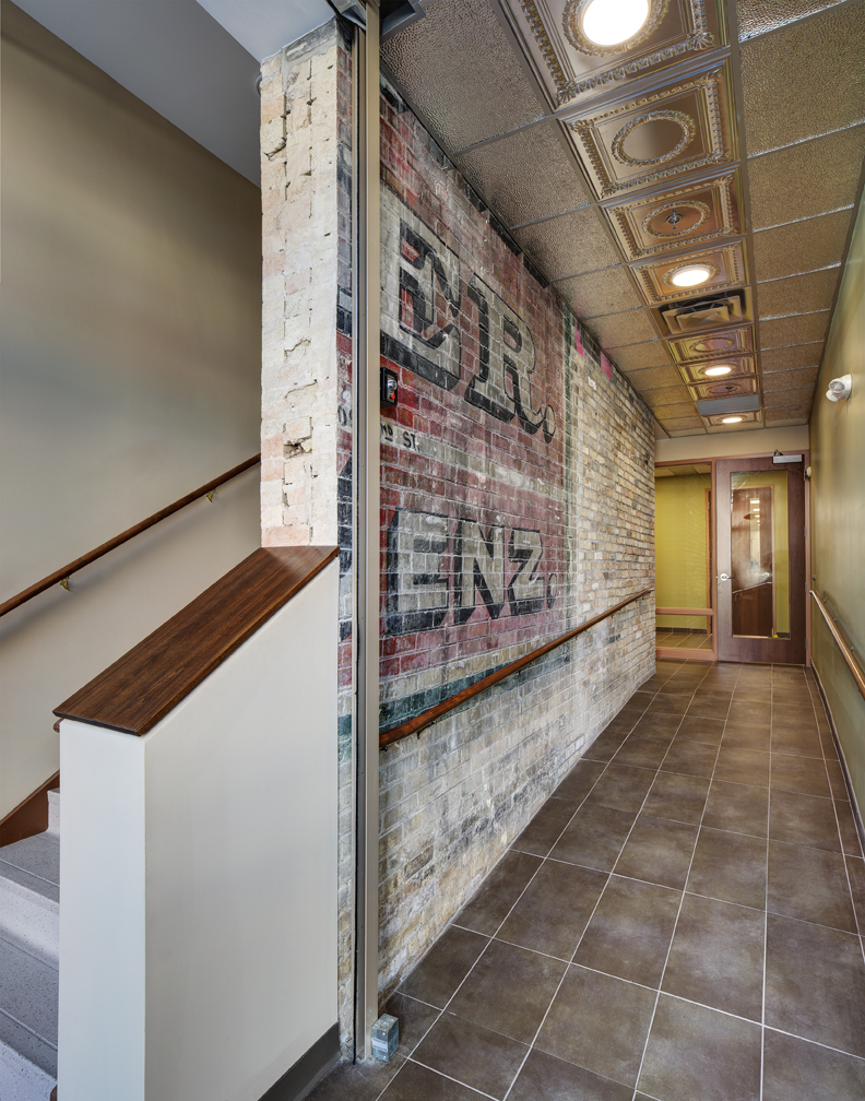 Corridor_LR.jpg