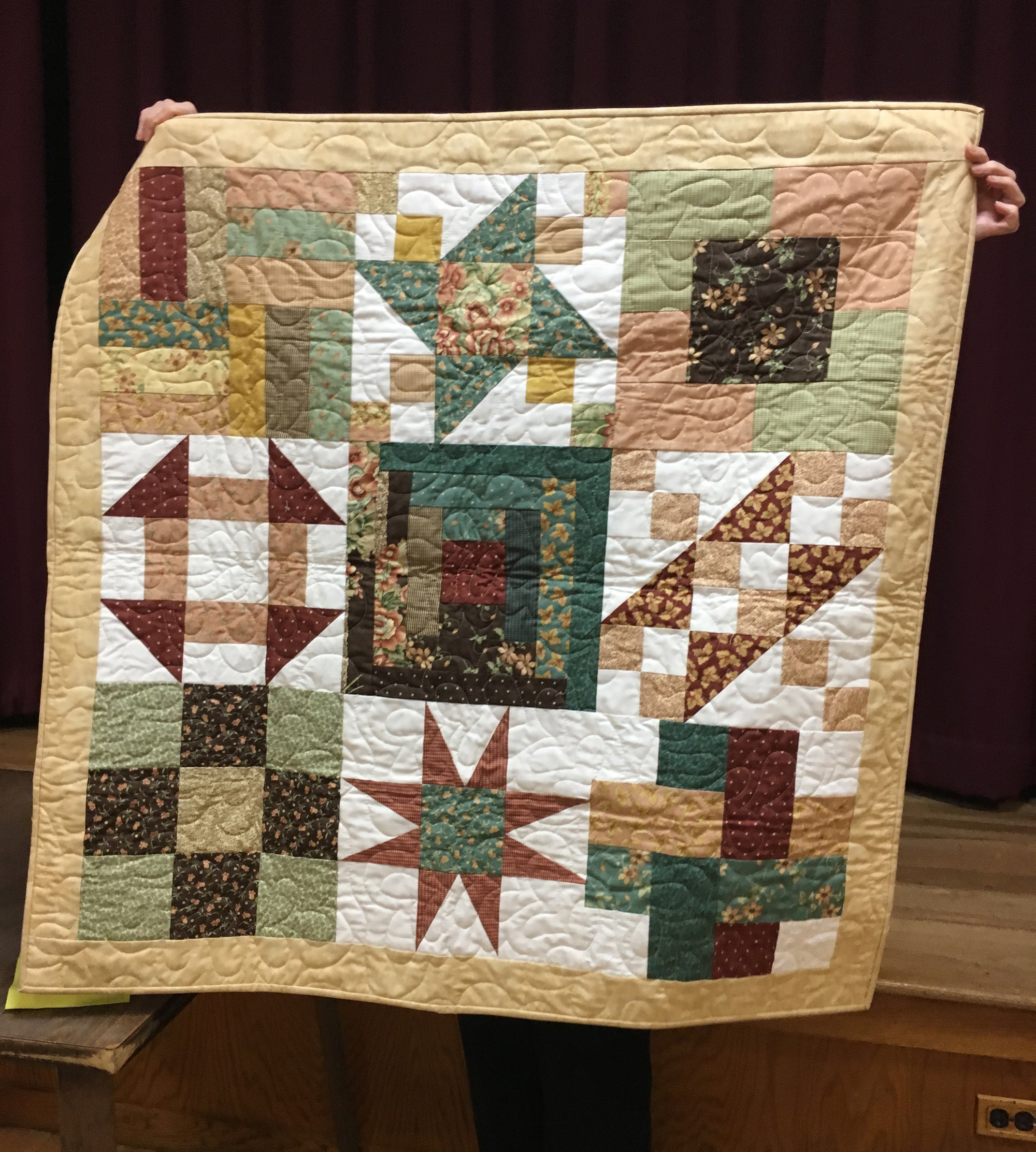 Pizza Box quilt by Janet Finello