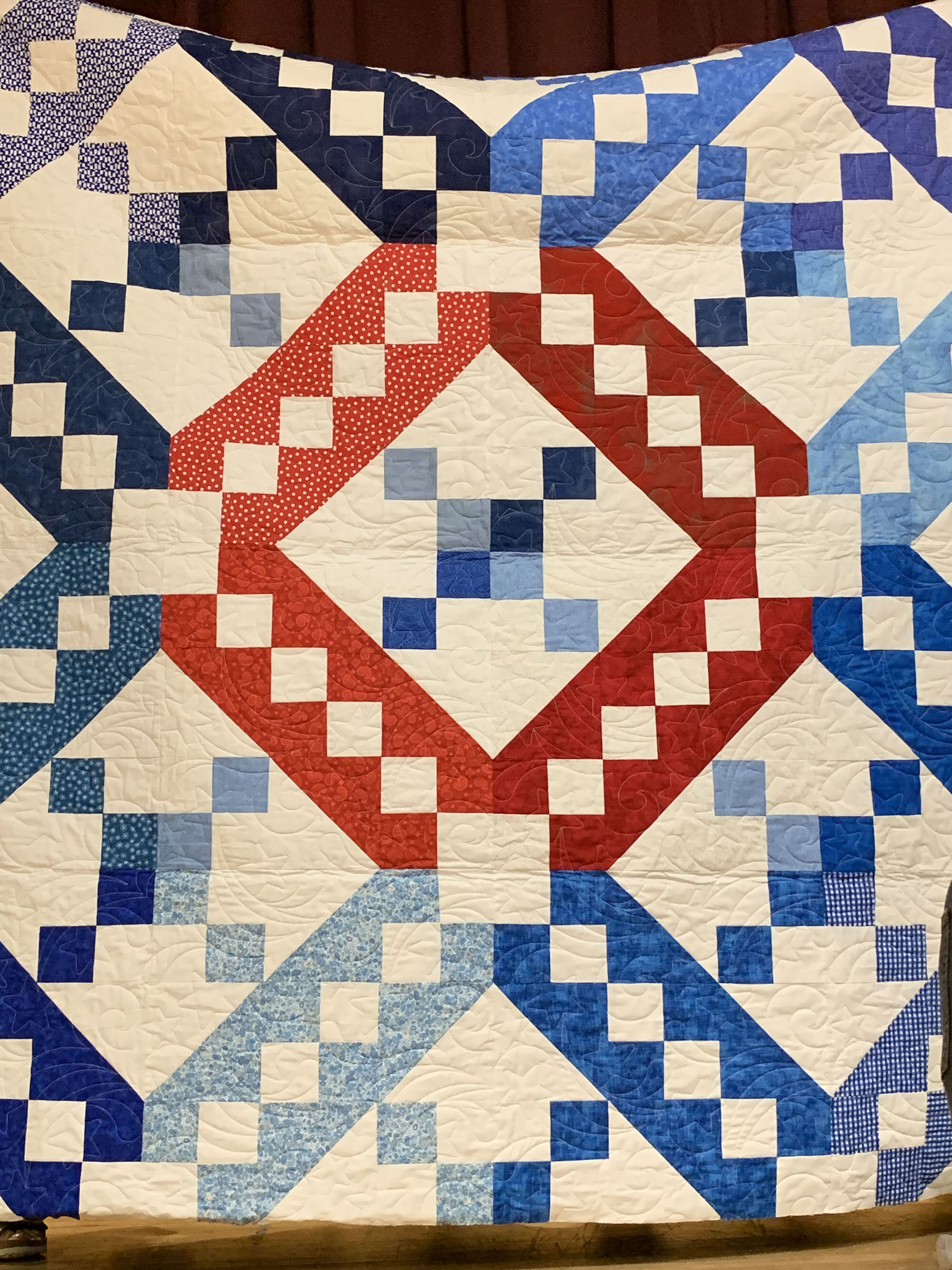 Jacob's Ladder charity quilt by Robin Engelman