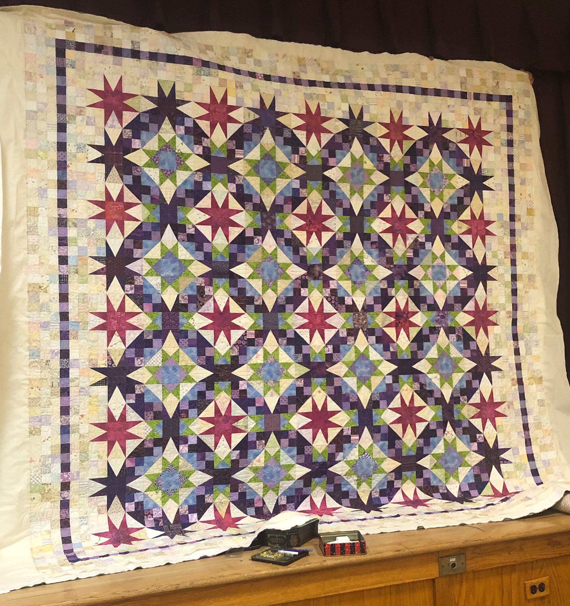 Chris Janove, En Provence, a @quiltville_bonnie mystery quilt. I changed the coloration a bit and added my own edge/border.