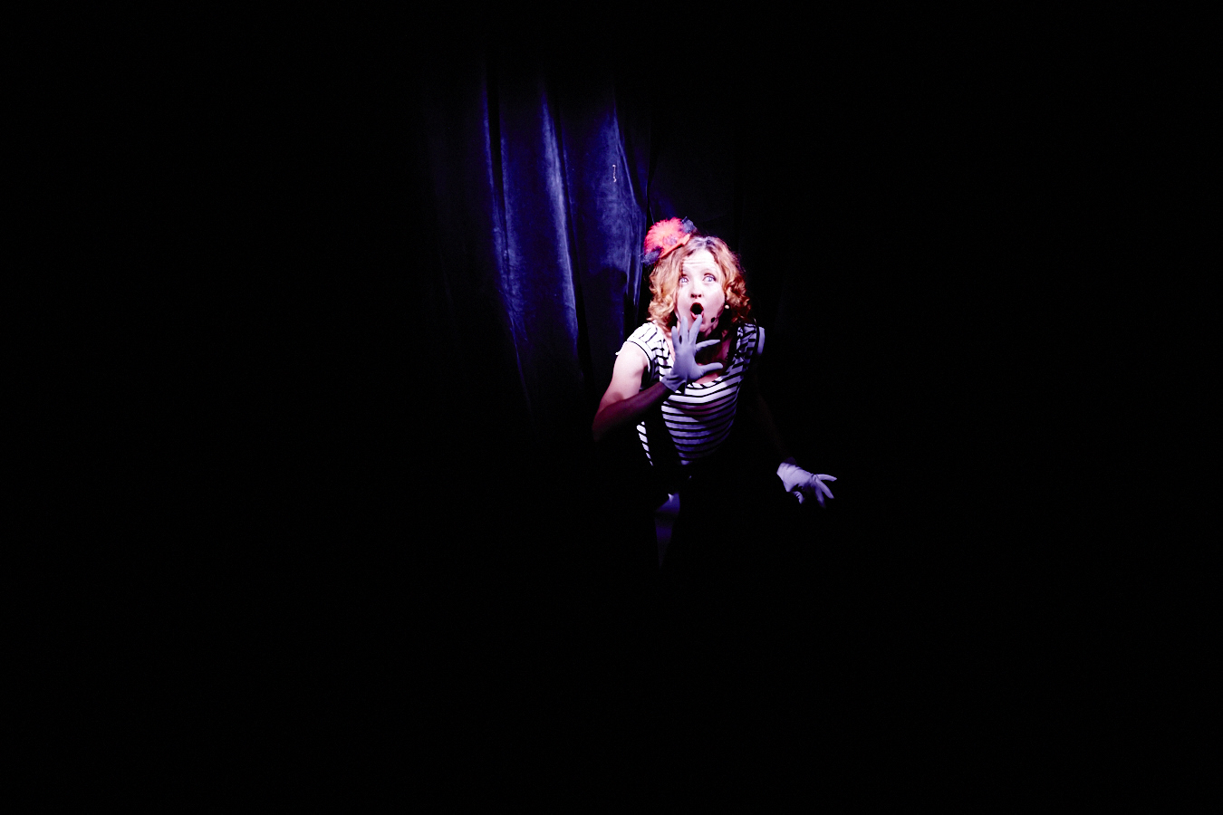 Mhairi cabaret opening.jpg