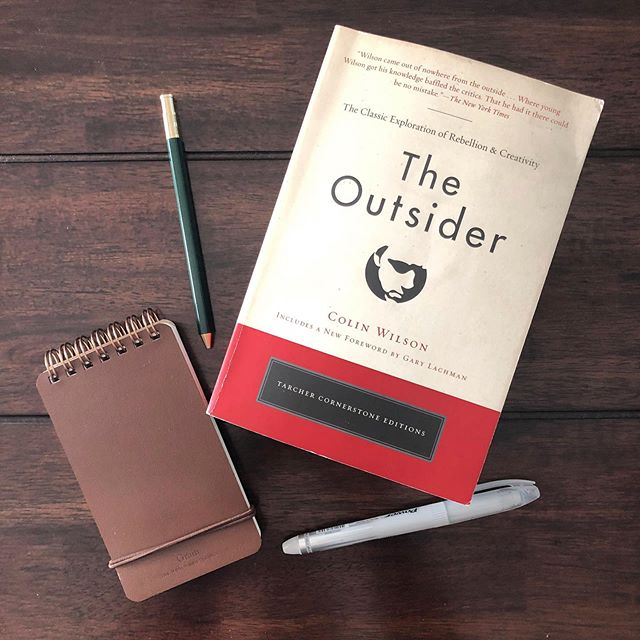 Ep. 12 of @75reads pod is live! Join @aprilthebowlby and me as we discuss the 2nd half of our fave book to date, The Outsider. We almost felt like we were traveling this road to the real self alongside Bowie. Amazing! Join us! ~link in bio 📚 #bookclub #bowie #booklove #podcastlove #reads