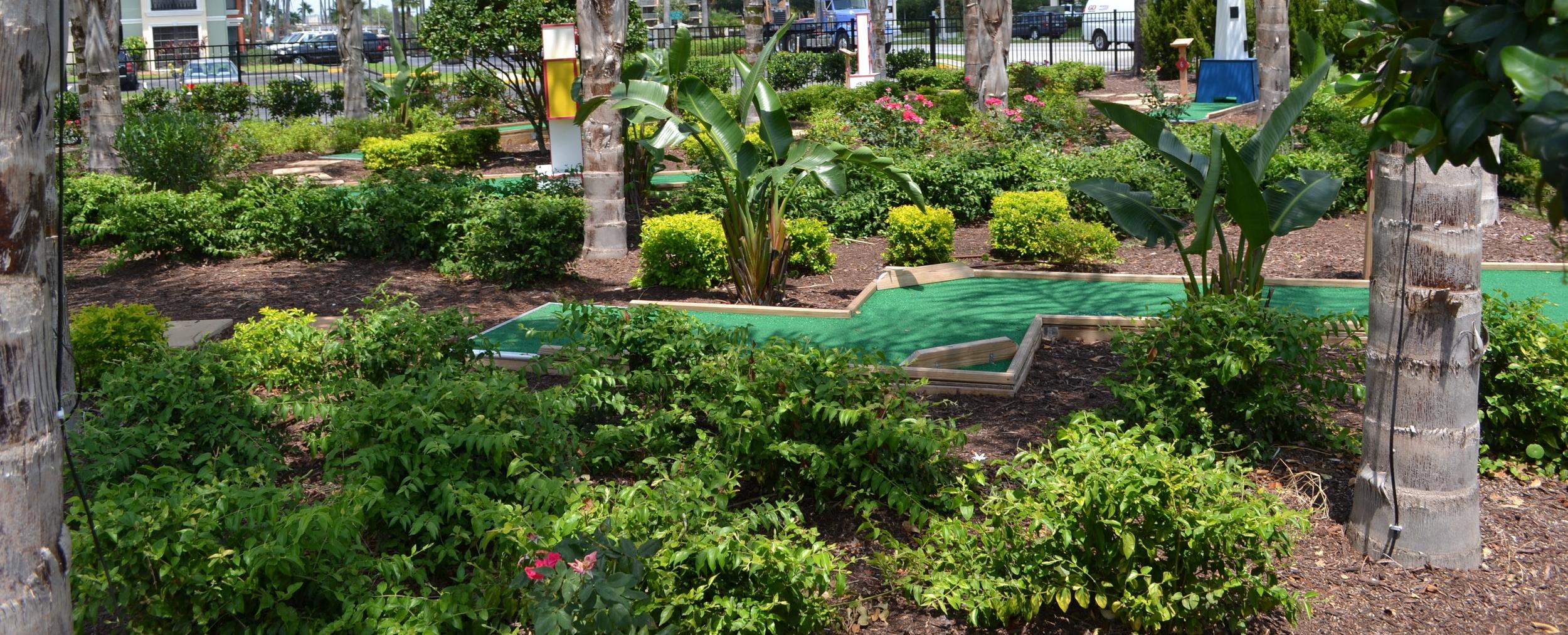 Legacy Resorts - Putting Green