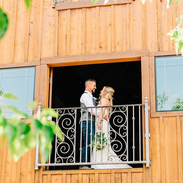 "Our clients almost always end up turning into friends, but it's such an honor when our friends are clients too! Chelsie said she had decided long ago that she wanted me to be her wedding photographer because (and I quote) ""your work is amazing and I just love everything you do!"". 🙊 Like, whatttt?! Insert major heart eye emoji and and happy tears! 🥰😭 Thank you for choosing US to capture your special day. Looking forward to seeing many more of your wedding pics floating around IG 🥰"
