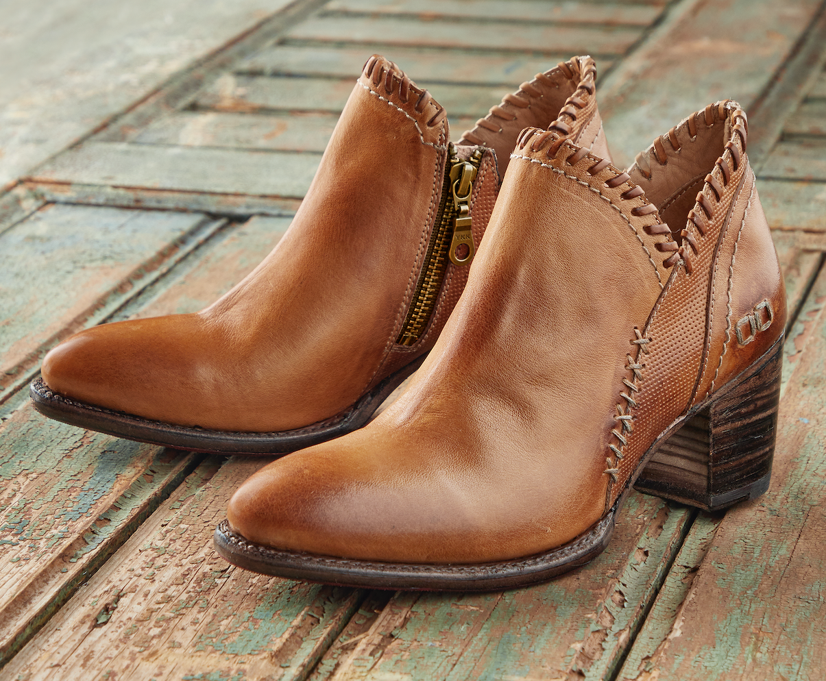 WOMEN'S HONEY BOOT