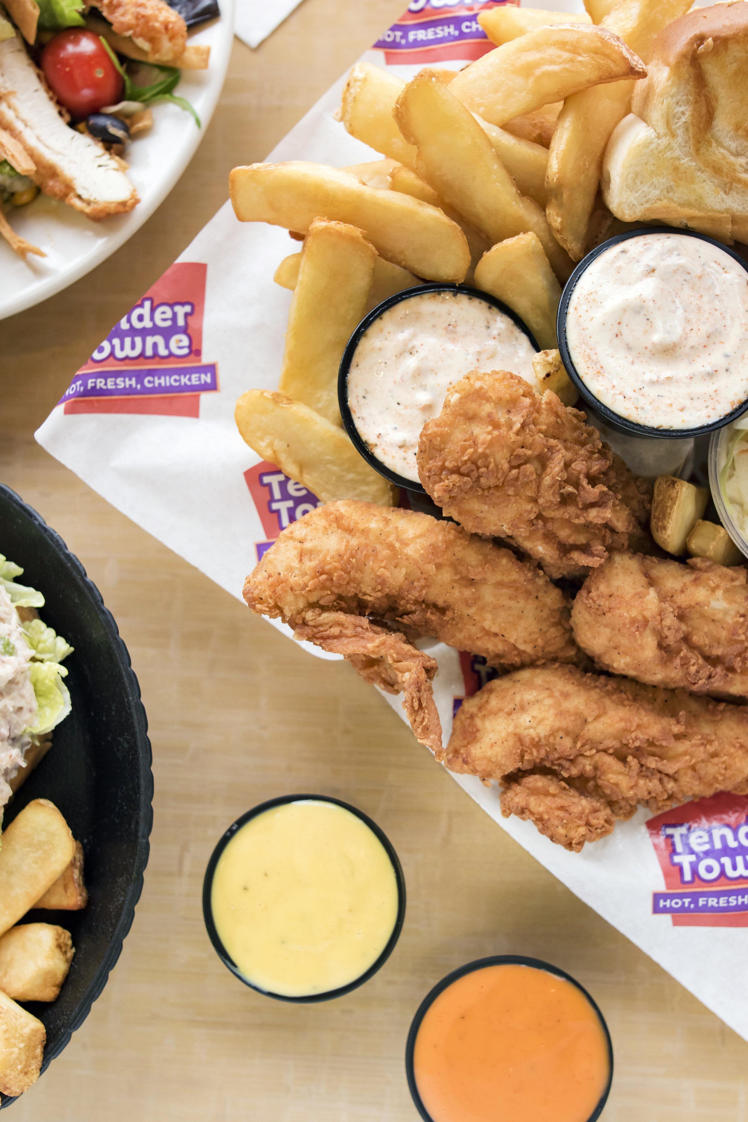 Cincinnati Food Photographer |Tender Towne | fried Chicken | Allison McAdams.jpg