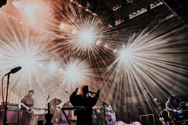 Had the absolute pleasure to shoot for @theheadandtheheart last night! Their shows are like a dang spiritual experience!!!! You've gotta see them live!!! Thank you SO much for having me out! • • • • • • #canon #portraitcollective #tribearchipelago #liveauthentic #lookslikefilm #igersokc #igersok #35mm #instagood #peoplescollective #vsco #makeportraits #socality #livefolk #ftwotw #thevisualvogue #inspireangelo #livewildatheart #freepeoplestories #blackandwhite #livemusicphotographer #musicphotography #concertphotography #concertphotographer #bradytheater #thath #theheadandtheheart