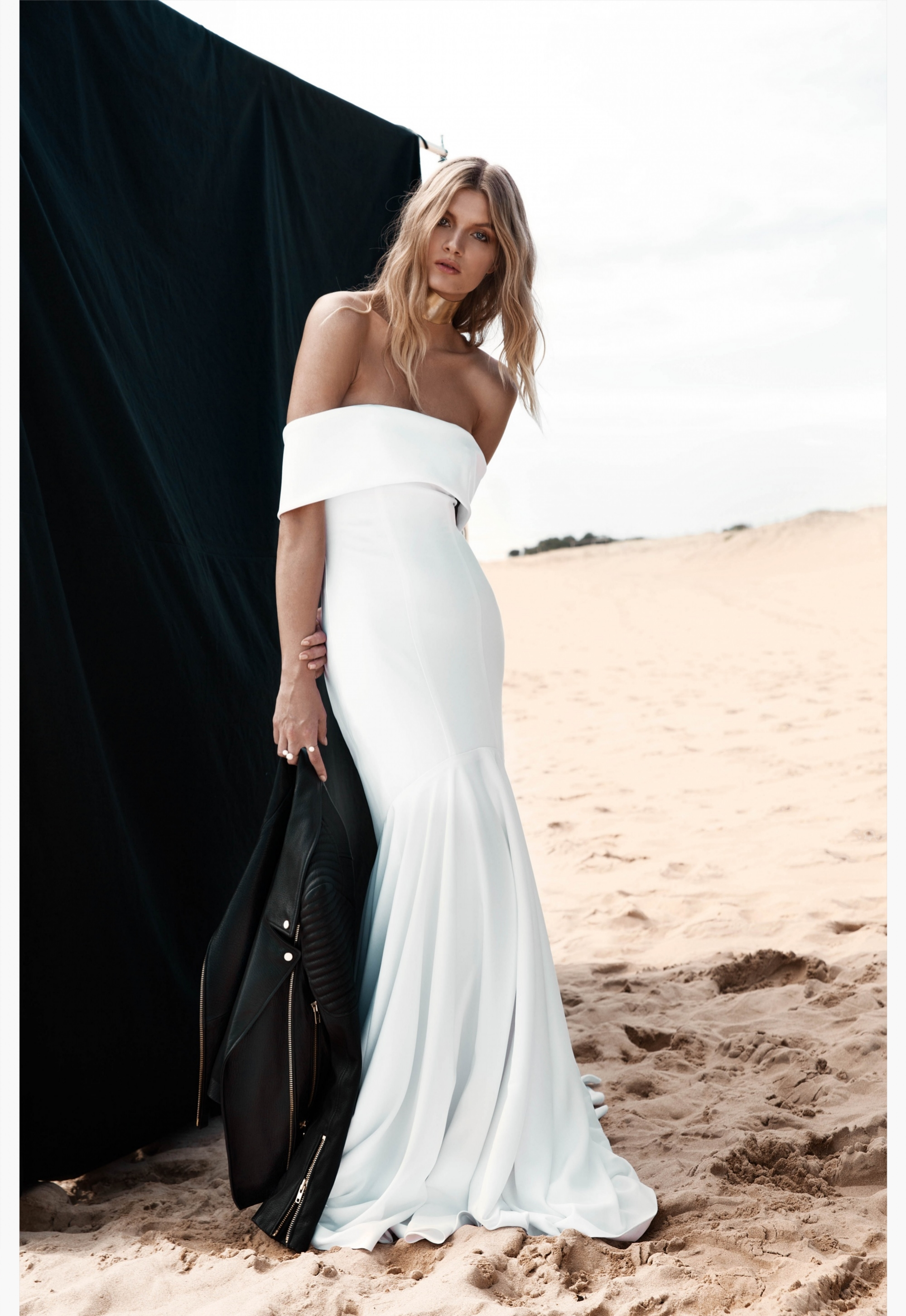 LOVE FIND CO. // ONE DAY BRIDAL 'Blessed Are The Curious' - Sadie Gown