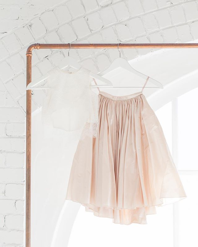 LOVE FIND CO. // The Rise of the Fashionable Flowergirl