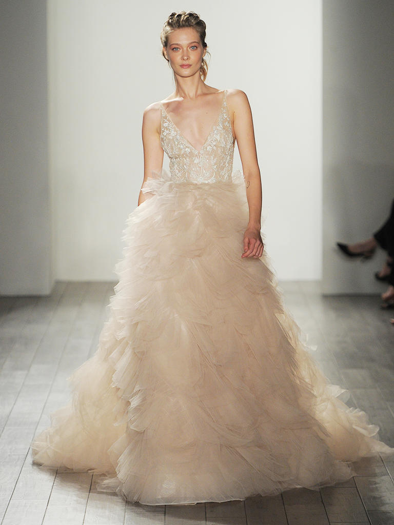 LOVE FIND CO. // The hottest bridal gown trends of 2016 - Lazaro // Follow @lovefindco on Instagram & Pinterest