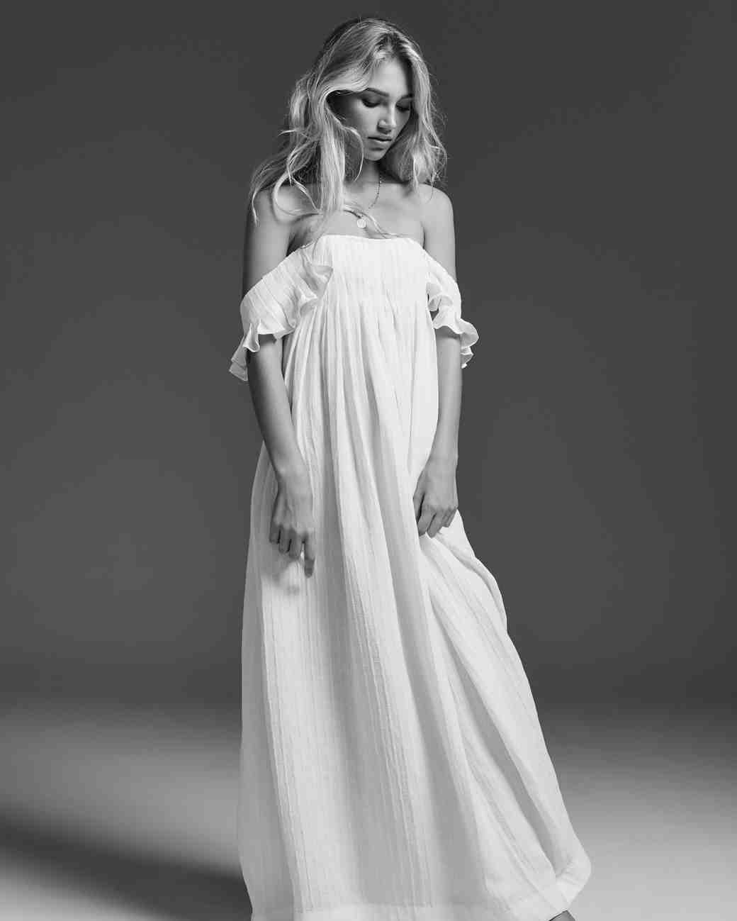 LOVE FIND CO. // The hottest bridal gown trends of 2016 - Lein // Follow @lovefindco on Instagram & Pinterest