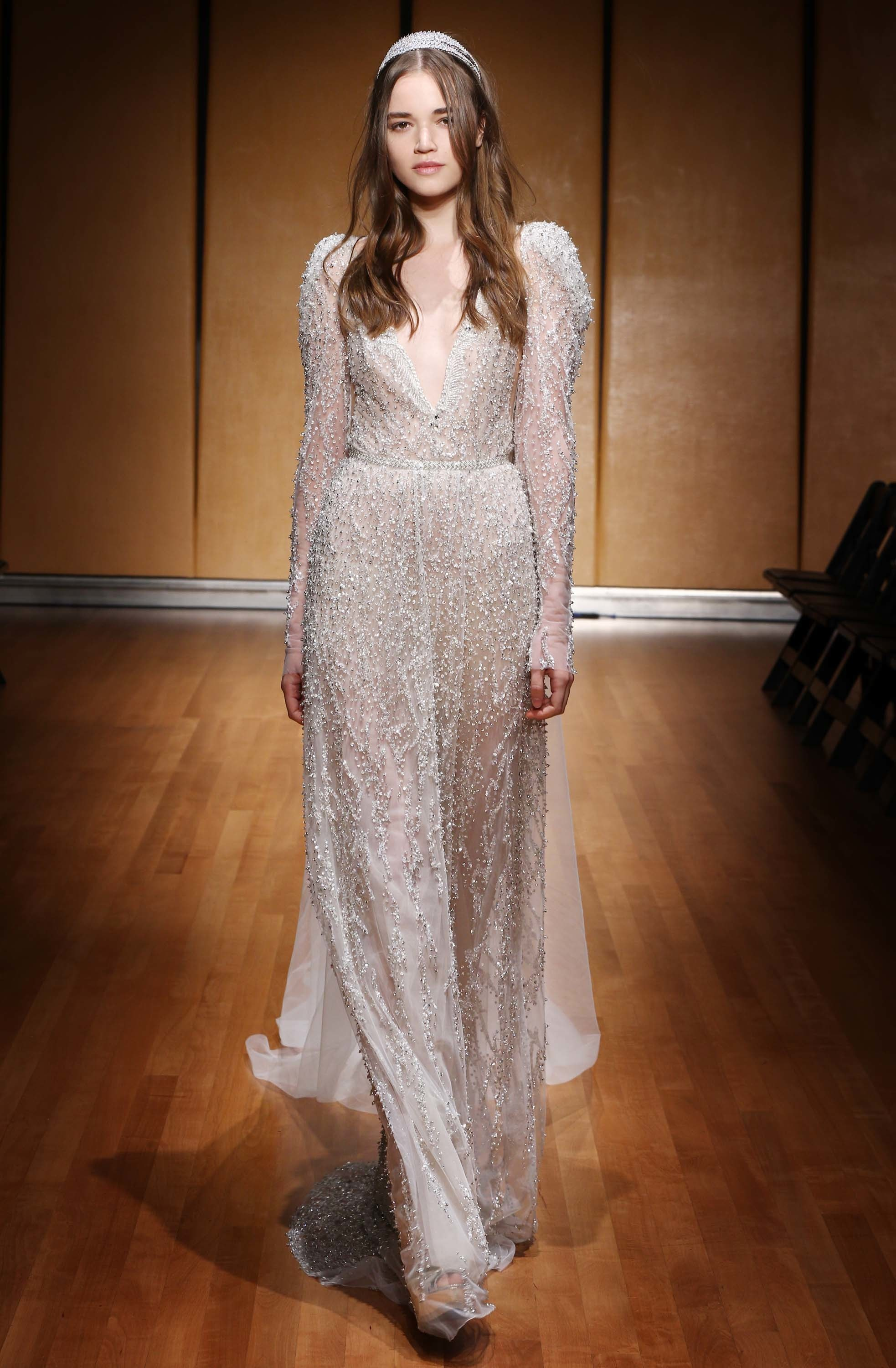 LOVE FIND CO. // The hottest bridal gown trends of 2016 - Inbal Dror // Follow @lovefindco on Instagram & Pinterest